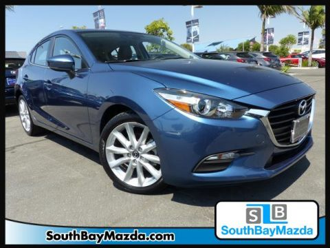 Certified Pre-Owned 2017 Mazda3 5-Door Touring Auto FWD 4dr Car